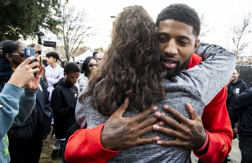Basketball Player Gives Back to Palmdale